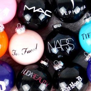 12 PC Makeup Christmas Ornament Set